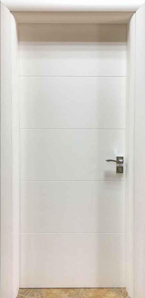 Интериорна врата бяла с фриз с регулируема каса 70 см. лява