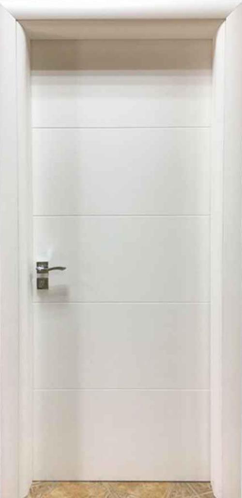 Интериоарна врата бяла с фриз с регулируема каса 80 см. дясна